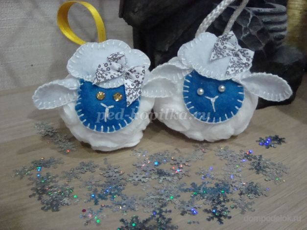 Детские поделки на новый год своими руками из ватных дисков