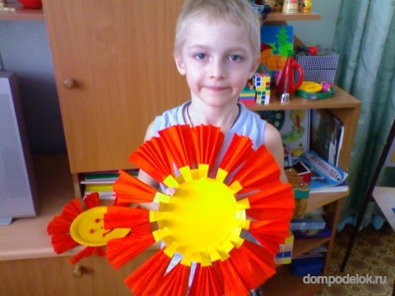 Поделка солнышко в детский сад из одноразовой тарелке 92